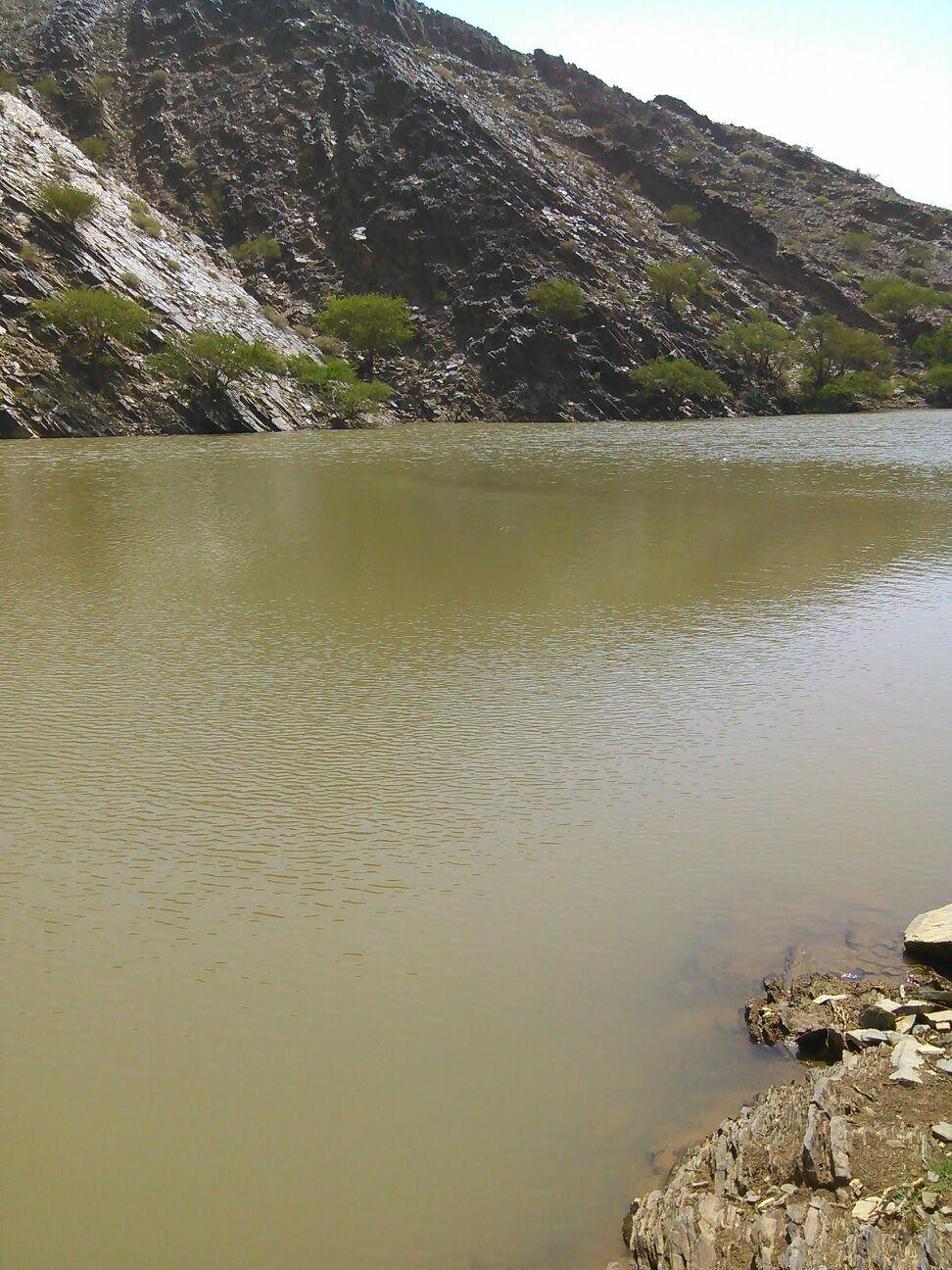 حاجز مياه ينقذ الأرواح ويحل مشكلة الجفاف في صحراء الجوف
