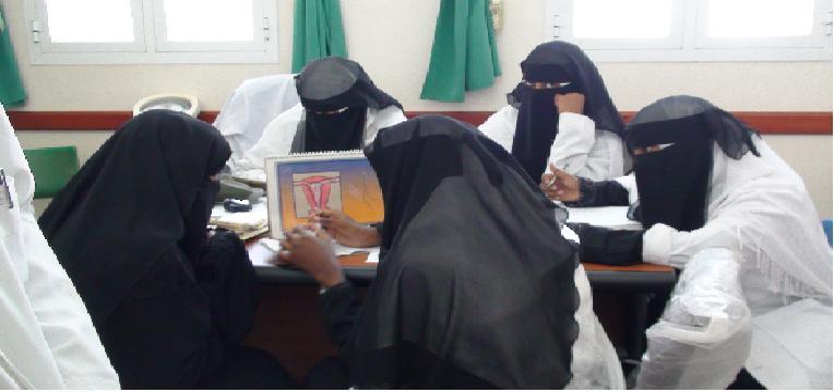 أمين عام محلي شبوة يفتتح مركز طبي في عتق